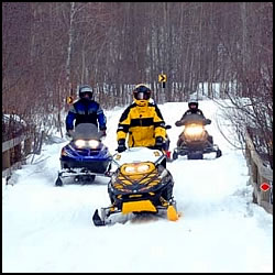 Snowmobiling Guide Service